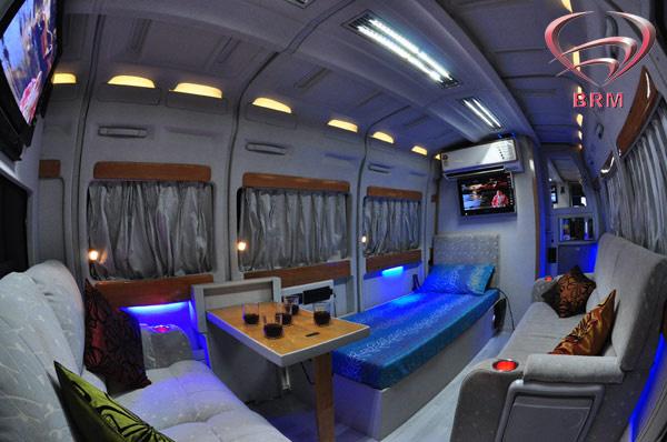 Vanity Vans Manufacturers India Vanity Van Interior Designer Babbaraju Mobile
